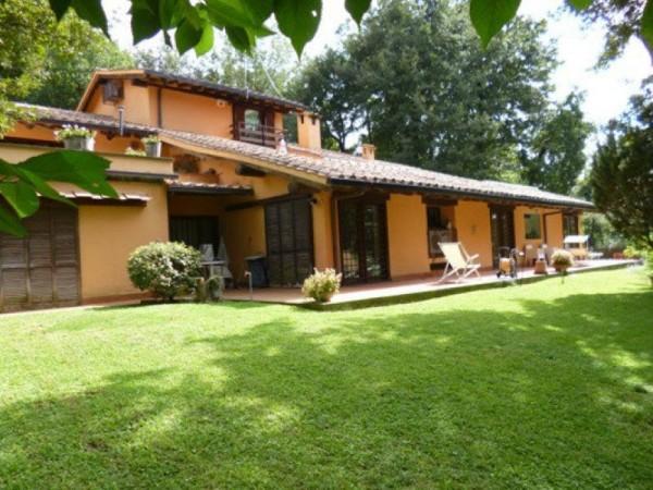 Villa in vendita in via Tiberina